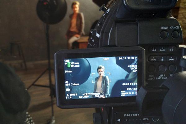 backstage видео